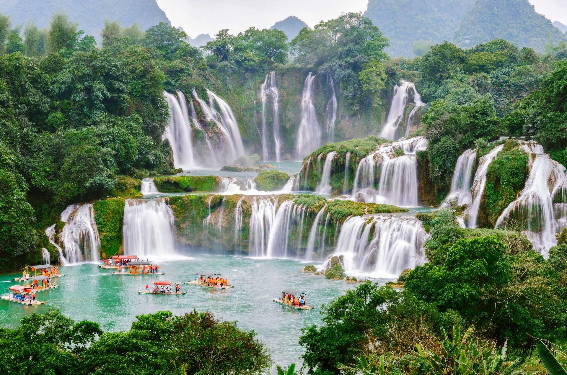 trekking North Vietnam