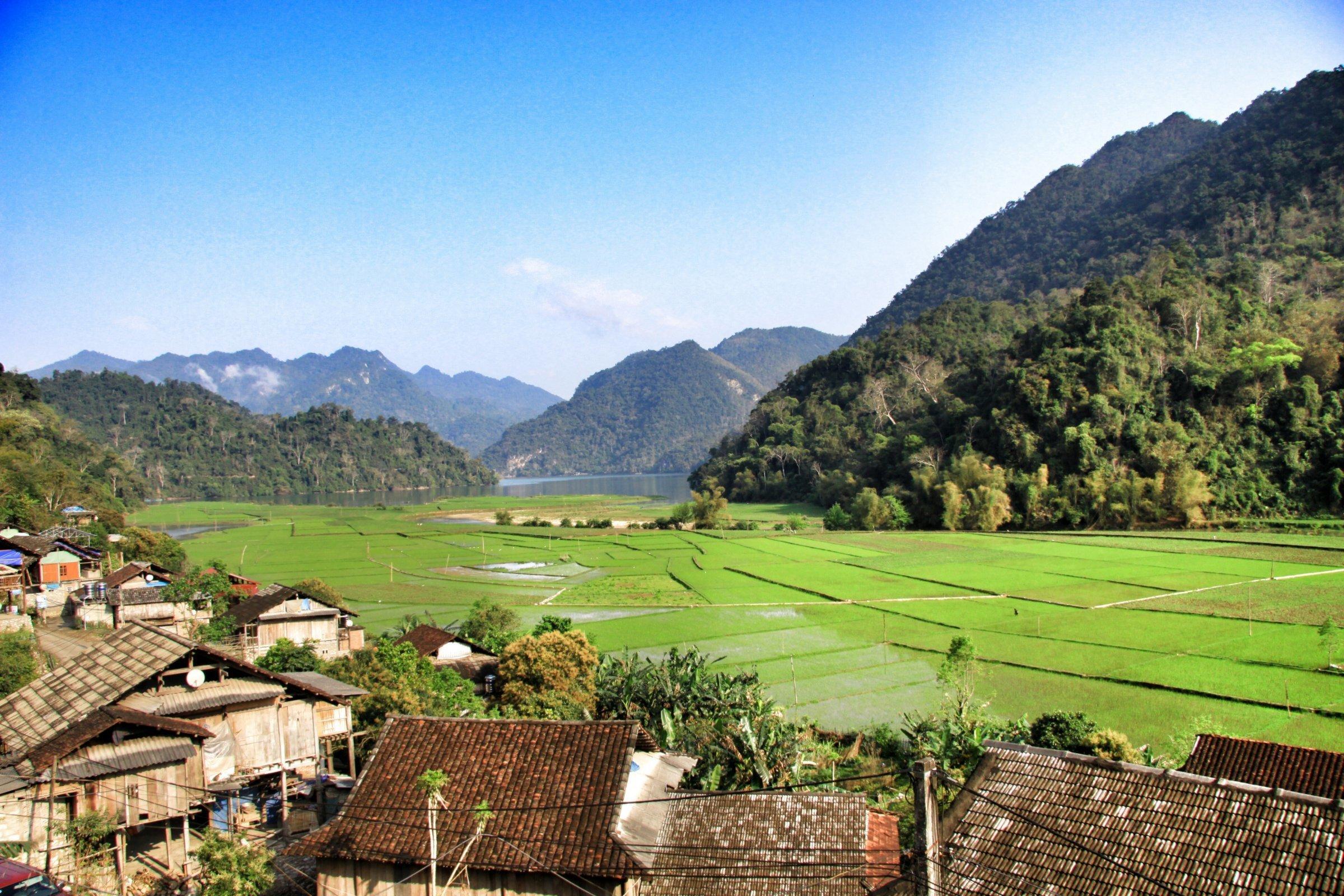 3-Day Waterfalls, Caves and Lakes - Vietnam Itinerary